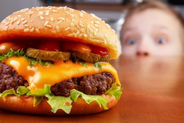 Ministério lança campanha para prevenir obesidade infantil